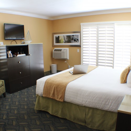 Balboa King Room - Little Inn By The Bay, Hotels in Newport beach CA