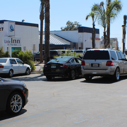 Complimentary Parking-Frisby Fun Newport -Little Inn By The Bay ,Hotels in Newport beach CA
